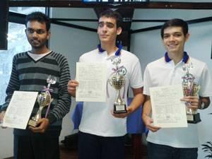 ELLOS. Cristian Hernández (centro) Jairo Hernández (derecha) de Colombia y Singh Vishnu de Trinidad y Tobago.