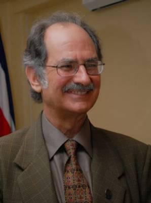 Ex subcampeón nacional y distinguido investigador y docente, don Jorge Rovira.